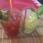 Mojito fragola e kiwi con frutta fresca