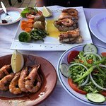 Shrimp in garlic and the special mixed, grilled fish