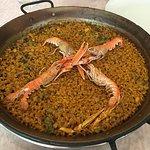 Paella de Cigala con Ajos tiernos y Sepia
