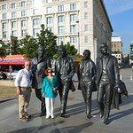 Φωτογραφία: Beatles statue