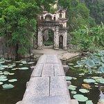 Puerta de entrada a la Pagoda Bich Dong
