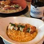 Albacora e risotto de camarão muito bom muito bom mesmo. Vale a pena!!!