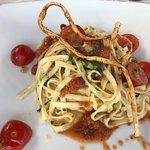 Linguine di mare con pomodorini.