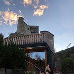 Aussicht Suite Via Claudia auf Sauna und Burg
