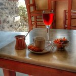 Vino Santo, Arabic Coffee + spicy nuts