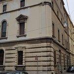 prospetto visto da V.le Cavour, arteria cittadina n.1 di Ferrara