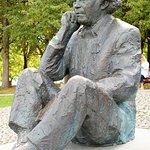 Gustav Ernesaks Statue