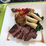 Foto de La Tour Restaurant