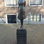 Statue of Ann Frank