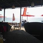 Foto de Agus Shipwreck Bar & Restaurant