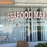Photo de Fish Tales Market & Eatery