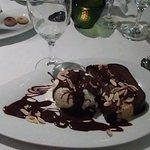 Baccarat: sensacional torta gelada de pão-de-ló, amêndoa crocante e creme de chocolate