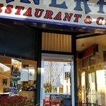 Cornerhouse Restaurant & Lounge照片