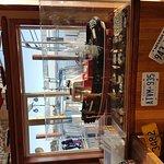 Dinghy Dock Pub & Floating Restaurant의 사진