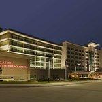 拉维斯塔希尔顿合博套房酒店及会议中心
