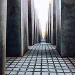 Bilde fra The Holocaust Memorial