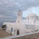 صورة فوتوغرافية لـ The Zoodohos Pigi monastery