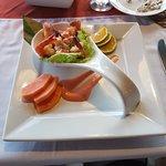 Foto Lezat Beach Restaurant