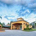 Entrance - Saratoga Resort Villas Photo