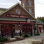 صورة فوتوغرافية لـ Firehall Pizza Co