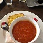 Logan's Cafe Restaurant Foto
