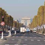 ภาพถ่ายของ Champs-Elysees