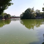 ภาพถ่ายของ Lake of the Restored Sword (Hoan Kiem Lake)