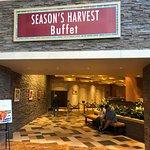 Foto de Seasons Harvest Buffet
