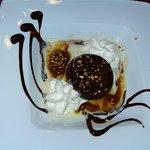 Moelleux au chocolat et son coulis caramel, beurre salé, cuit minute (9 exactement).