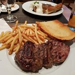 Farmers Steakhouseの写真