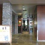 フロント近くにあるレストラン1Fのエレベータ横 美味しいお店