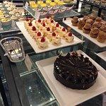 Photo de Cafe Tostina Sheraton Grande Tokyo Bay Hotel