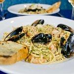seafood pasta + white wine
