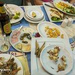 Фотография Dionyssos Fish Tavern