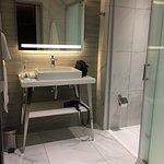 Modern, functional bathroom