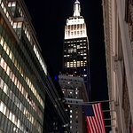 Stars & Stripes and The Empire State Building - N.Y. (18/Oct/18).