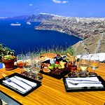 Now this is a wine tasting with a view! Absolutely perfect wine tasting and food pairing.