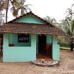 Entrance - Castello's Coco Huts Image