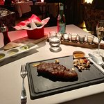CHAR bar and grill의 사진