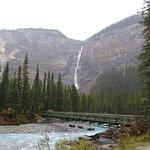 Photo of Takakkaw Falls