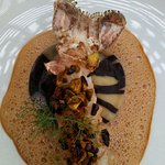 langoustine panée/grué cacao pistache- raviole marbrée chocolatée aux tourteaux/écume crustacés