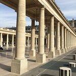 Architecture et colonnes de Buren