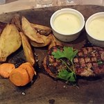 160 gram Rib House steak m. bådkartofler og bernaise