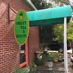 Foto Sweet Tea and Biscuits Cafe