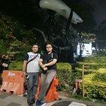 Photo de Suroboyo Monument