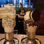 صورة فوتوغرافية لـ Black Tap Craft Burgers & Shakes - Yas Mall