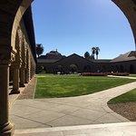 صورة فوتوغرافية لـ Stanford University