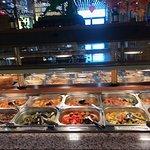 Buffet à volonté, belle présentation et nombreux choix de plats !!!