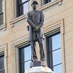 صورة فوتوغرافية لـ Lincoln County Illinois Courthouse