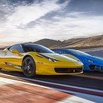 一級方程式賽道的拉斯維加斯異域超級跑車銀色駕駛體驗